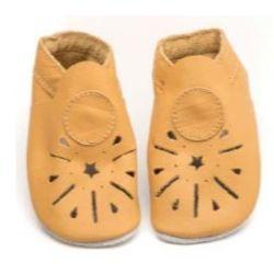 Chaussons en cuir souple: Moutarde à découpe étoile