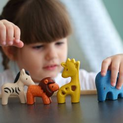 Figurines - 4 animaux de la savane